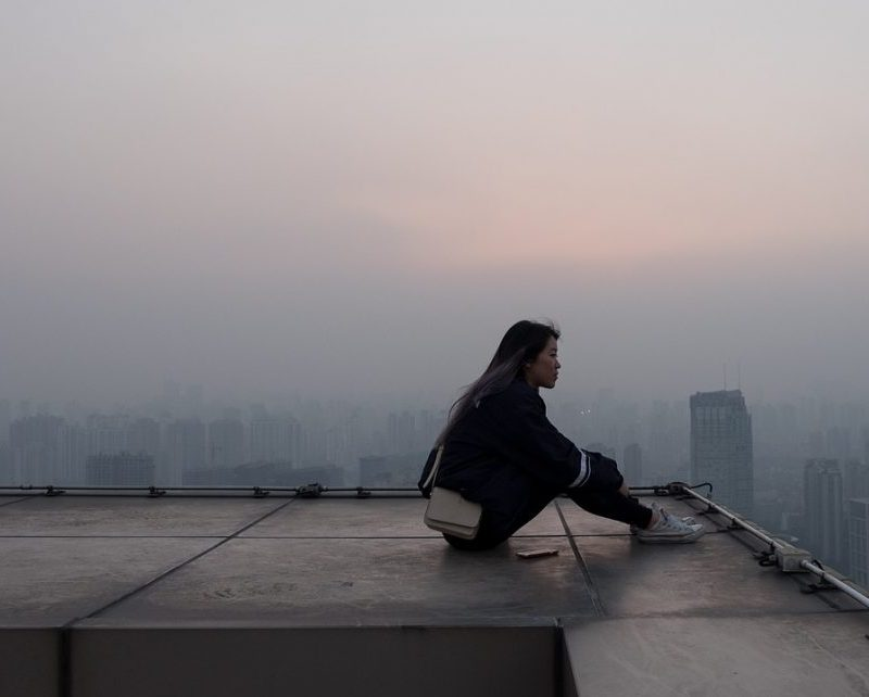 femme seule ville